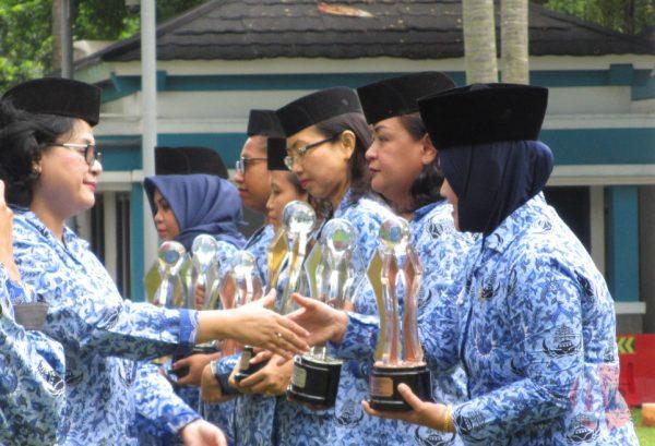 Jum'at Barokah, STPI Curug Raih Penghargaan dari Kementerian Perhubungan