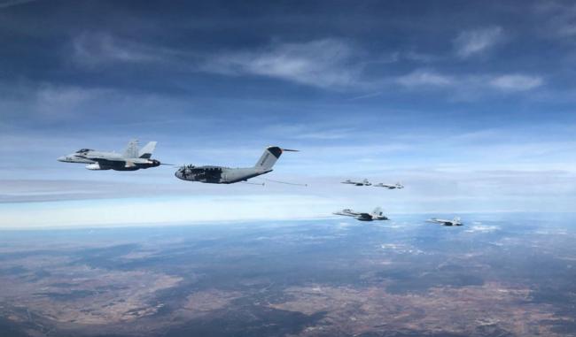 """Dalam Satu Sorti A400M Sukses """"Suntik"""" 6 F/A-18 Hornet di Udara"""