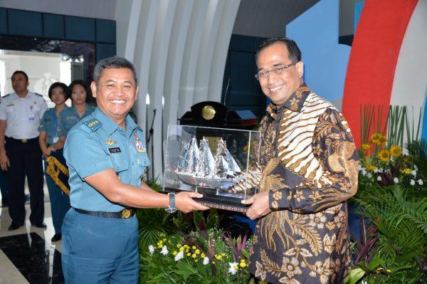 Sinergitas Kemenhub-TNI AL Bangun Konektivitas dan Poros Maritim Dunia