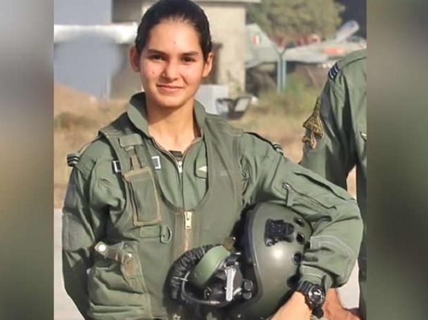 India Cetak Pilot Tempur Wanita yang Pertama
