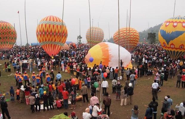 Pemerintah Batasi Penerbangan Balon Udara