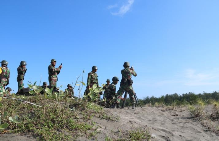 Yonif Mekanis Raider 412 Kostrad Latihan Menembak Senjata Lintas Lengkung
