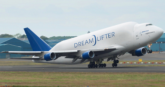 Boeing kerahkan Dreamlifter untuk bantu tangani wabah virus corona