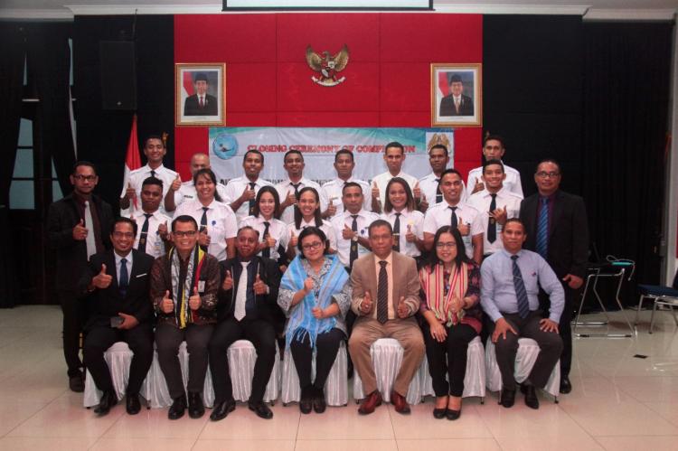 Kepala BPSDM Perhubungan Tutup Diklat Penerbangan STPI Siswa Timor Leste