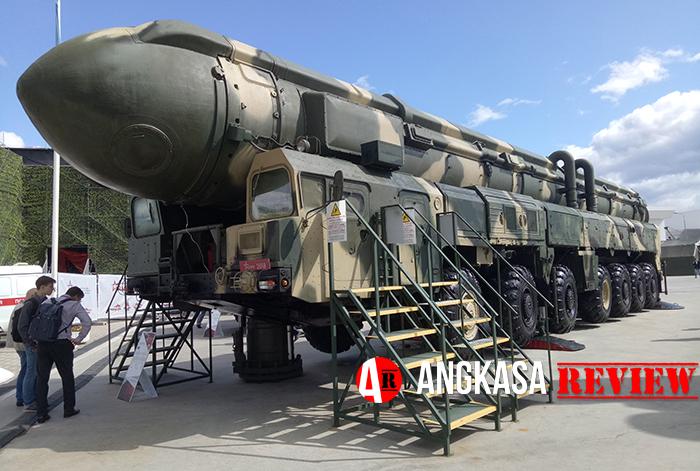 Rudal balistik antarbenua RS-24 Yars (Topol-MR) diboyong ke Moskow