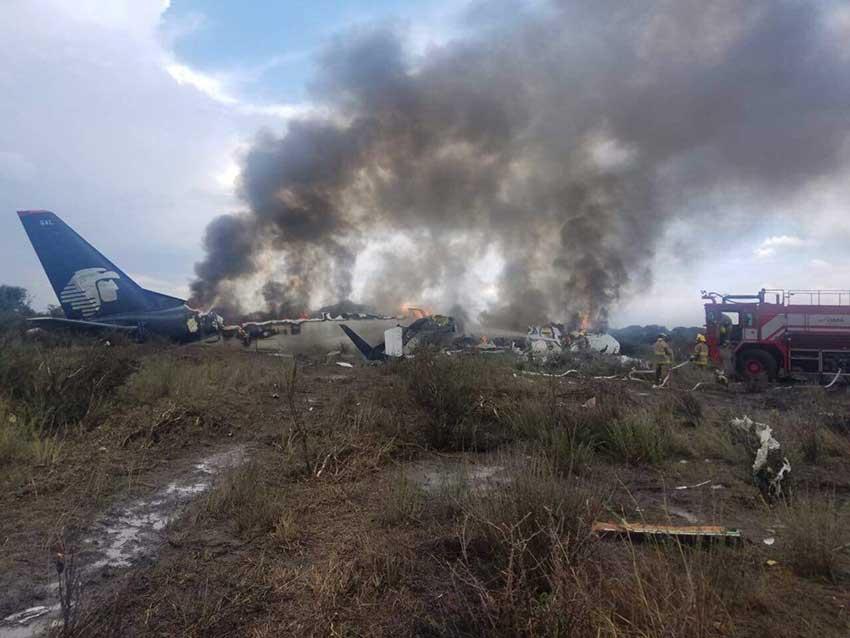 Video Detik-detik Aeromexico Jatuh Ini Amat Mengerikan