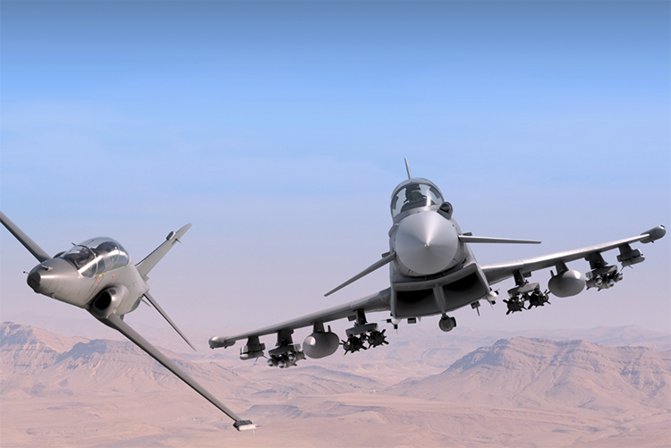 Hawk AJT dan Typhoon