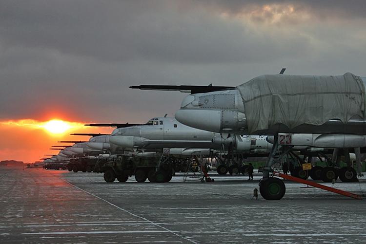 Usai Jalani Perawatan Berat, Pengebom Strategis Tu-95MS Ini Kembali Berdinas