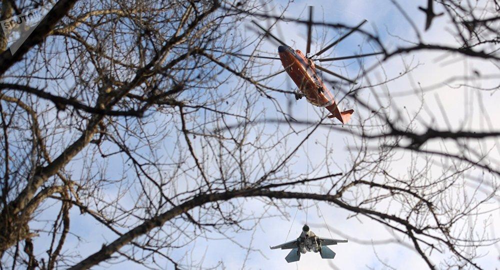 Mi-26 angkut Su-27