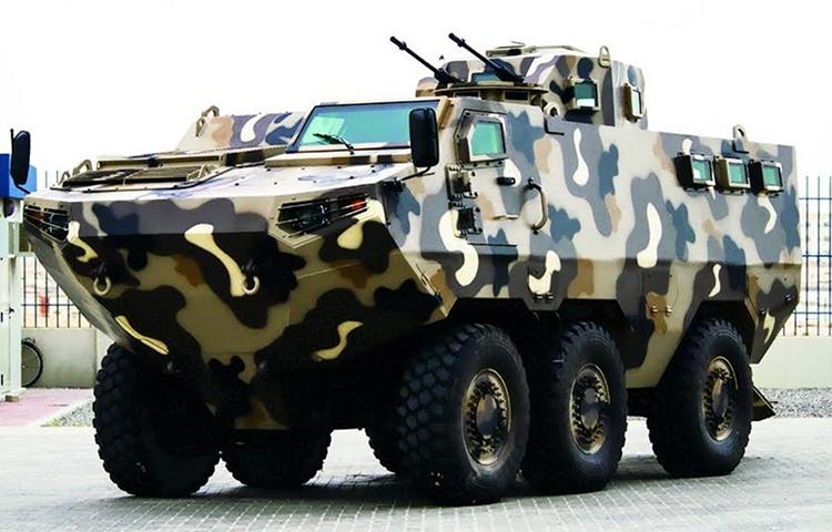 Streit Group Tampilkan Perdana Panser Amfibi Salamander 8X8 di IDEX 2019