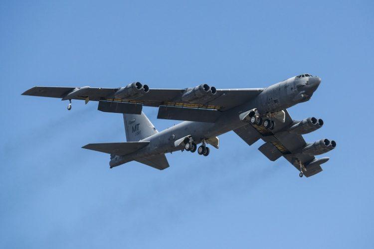 Pengebom Gaek B-52 Akan Dilengkapi Radar AESA