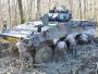 Ketika Kendaraan Tempur Infanteri Terjebak di Lumpur Tanah Liat yang Dalam