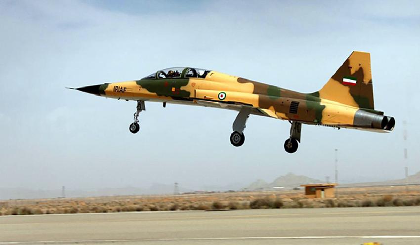 Jet Tempur Terbaru Iran HESA Kowsar Turut Meriahkan Parade Hari Tentara Nasional