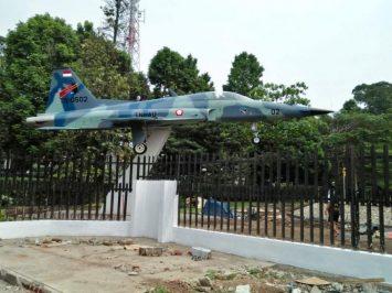 Monumen F-5 di Taman Lalu Lintas Bandung