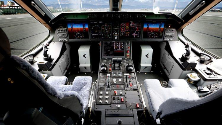 KC-390 cockpit