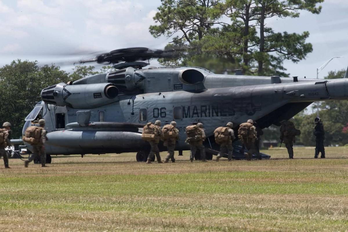 500 Prajurit Korps Marinir AS Diangkut Menggunakan Heli CH-53E Super Stallion