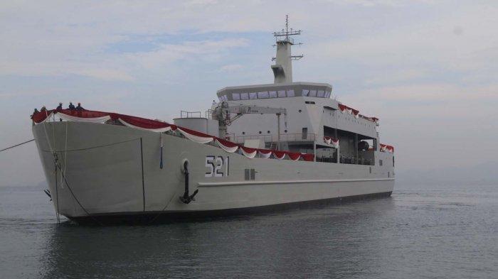 KRI Teluk Lada-521