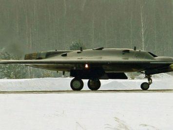 Rusia asuransikan drone S-70 Okhotnik-B selama uji pengembangannya