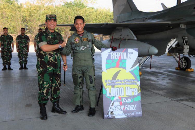"""Argantara """"Reptile"""" Heli Raih 1.000 Jam Terbang di T-50i Golden Eagle"""