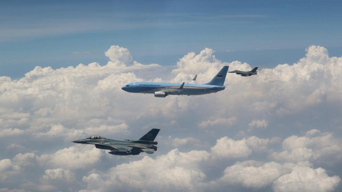3 Jet F-16 Lanud Iswahjudi Kawal Penerbangan Wapres Jusuf Kalla