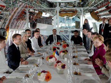 Macron_Merkel_Airbus_A350_Lunch