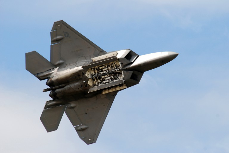 F-22 opens its weapon bay