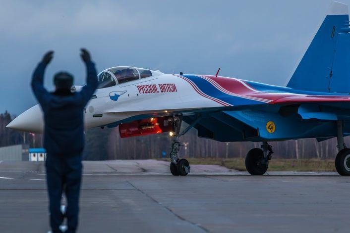 Su-35-arrive-in-Kubinka-2