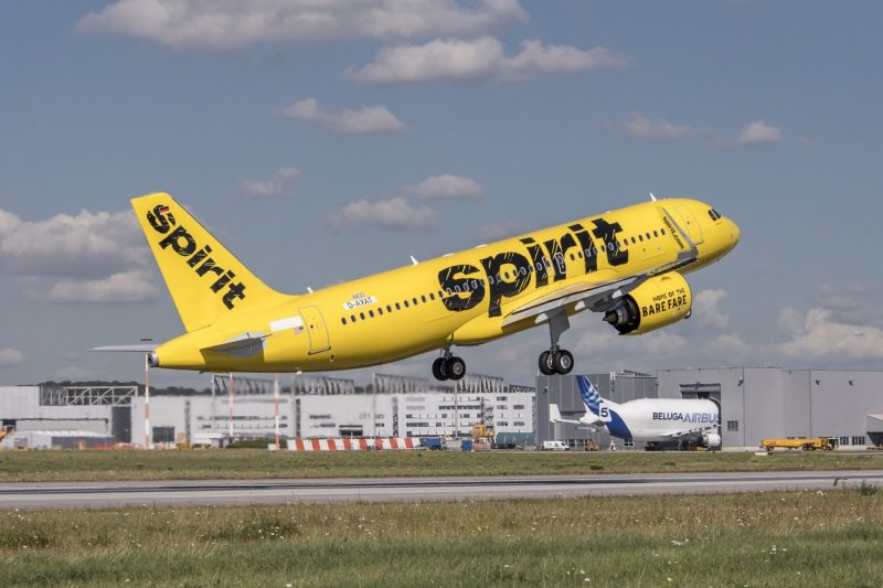 A320neo-Spirit-Airlines-takeoff