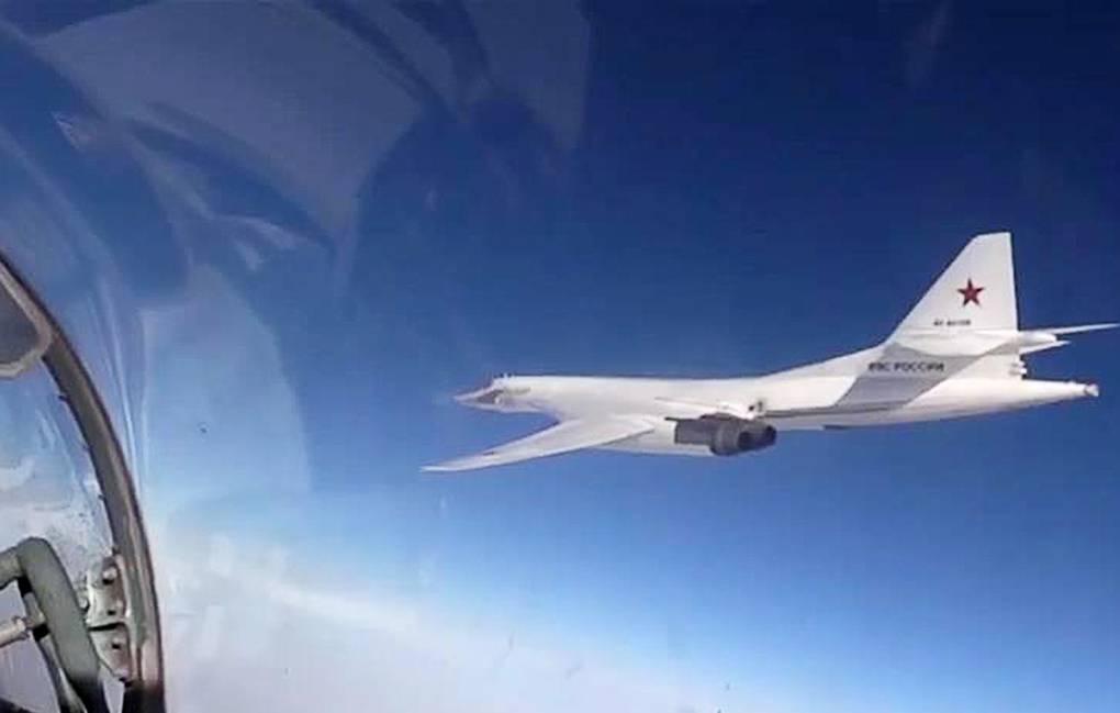Pilot-pilot muda Rusia mulai dilatih menerbangkan pembom Tu-160