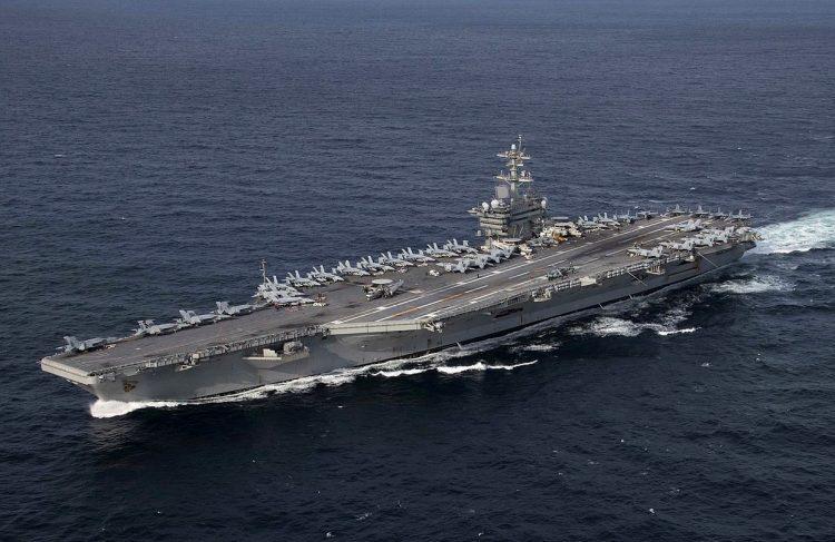 Setelah 10 bulan penugasan, USS Abraham Lincoln kembali ke rumahnya