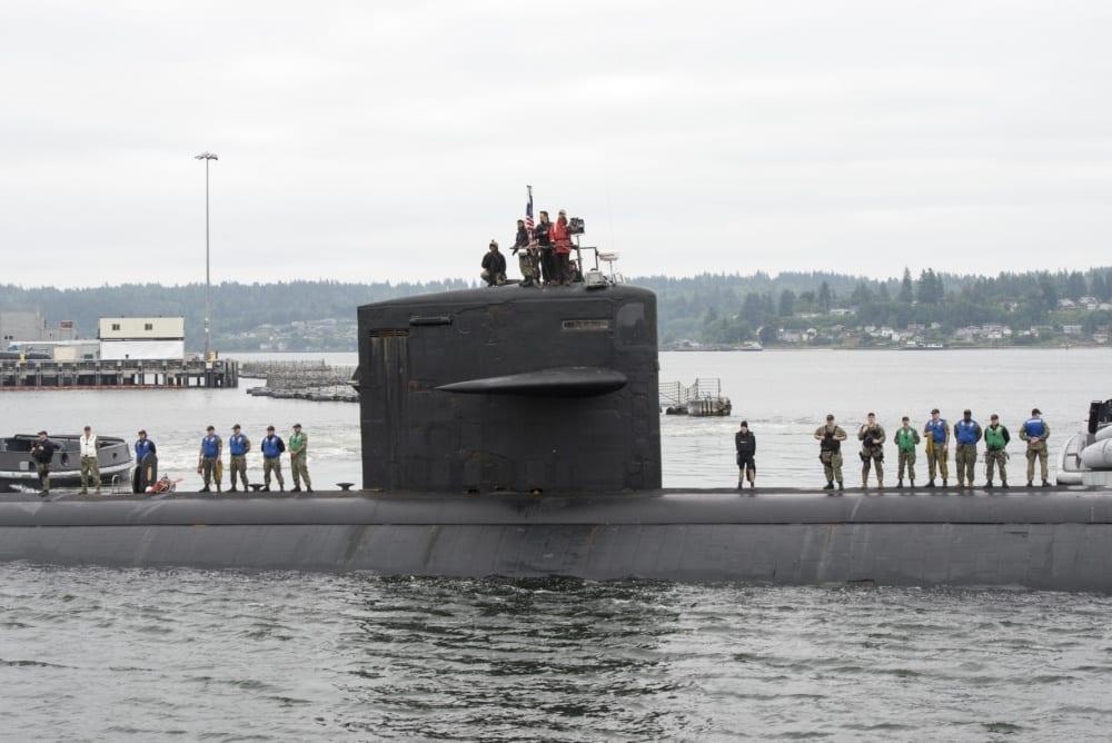 Salam perpisahan untuk kapal selam serang cepat USS Pittsburgh