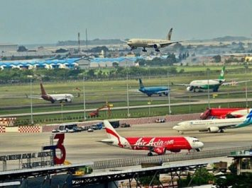 Pesawat di Soekarno-Hatta Airport