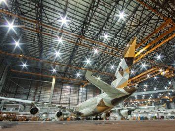 Perawatan A380 di Etihad Engineering