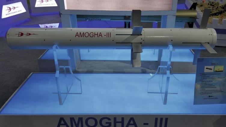 India perlihatkan rudal antitank berpemandu terbaru Amogha-III