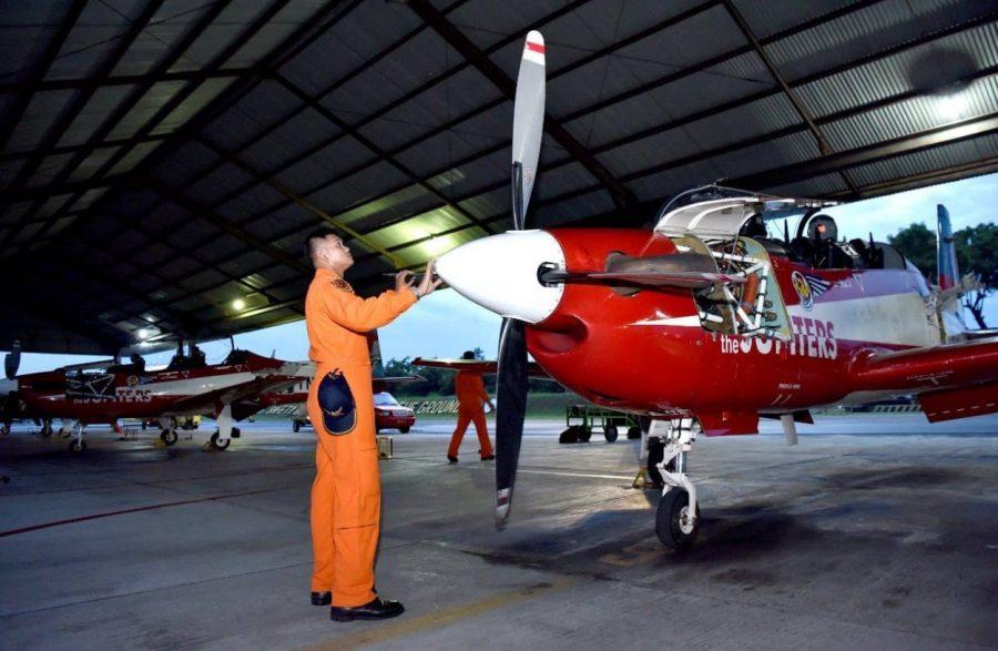 37 siswa Sekbang A-97 latihan terbang malam dengan KT-1B Woong Bee
