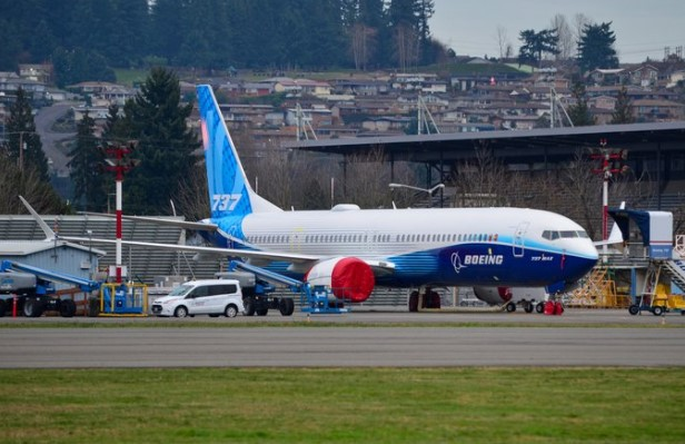 Boeing 737 MAX 10 taxi test