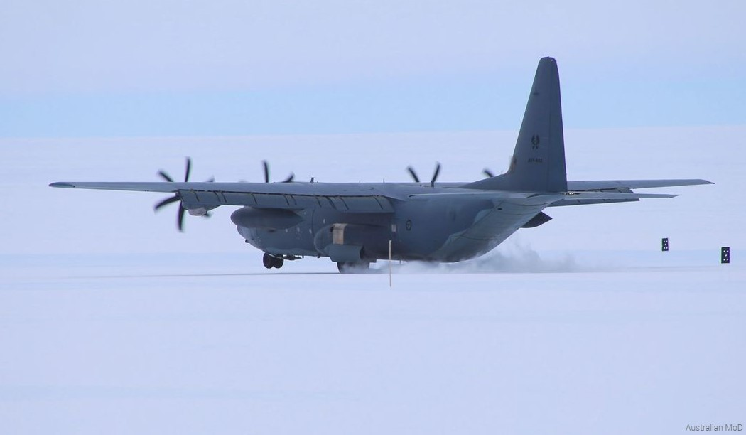 C-130J di Antartica