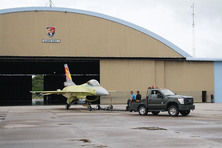F-16A TS-1610_Roni Sontani