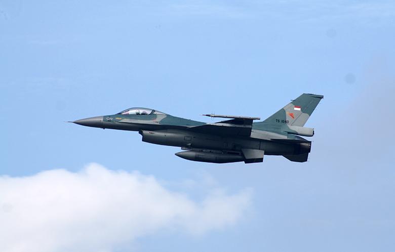 F-16C TNI AU_Roni Sontani