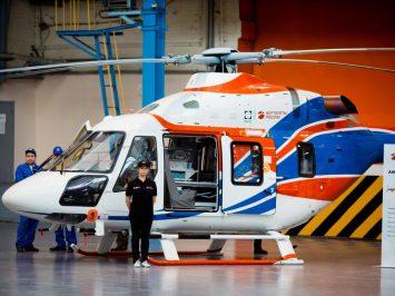 Helikopter Ansat dilengkapi Inkubator bayi