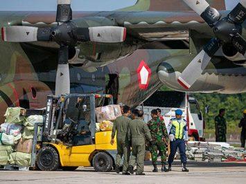 Hercules TNI AU bawa peralatan rumah sakit di Batam