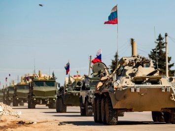 Kendaraan Militer Rusia patroli di Suriah Utara