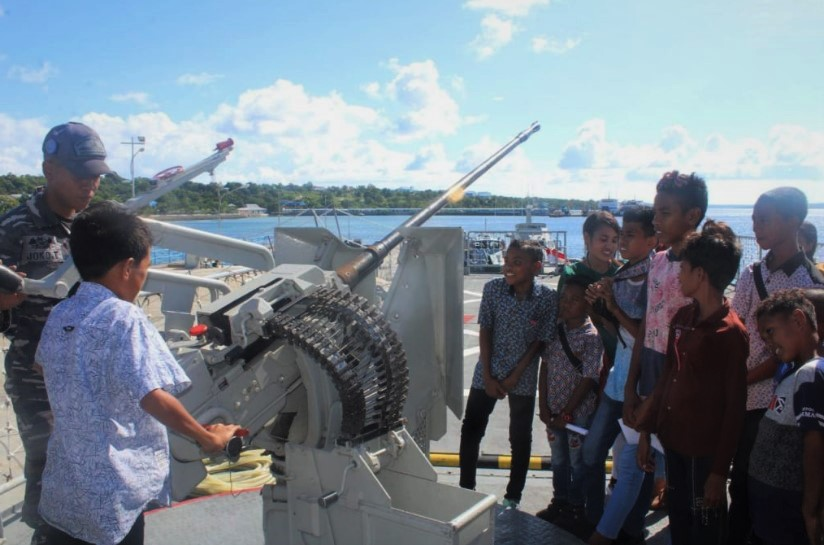 Open Ship KRI Tongkol di Kupang