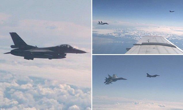 Su-27 cegat pesawat NATO