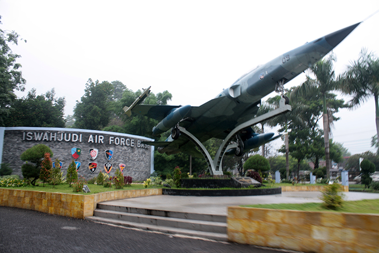 Gerbang Utama Lanud Iswahjudi_roni sontani