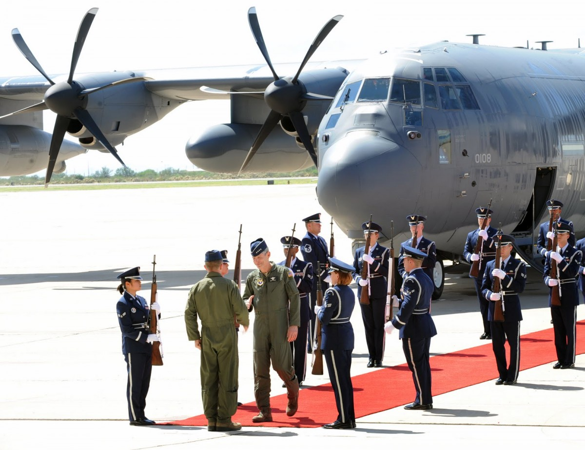 HC-130J-Combat-King-II-arrives-at-Davis-Monthan-AFB-in-2011