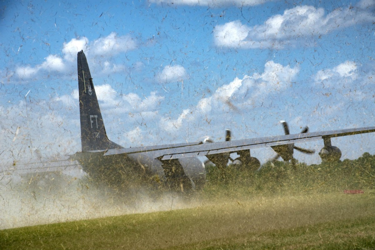 HC-130J-Combat-King-II-dirt-landing_airspace-review