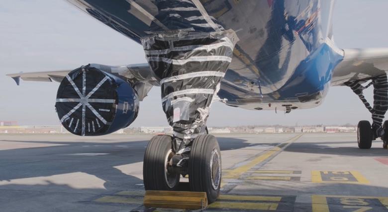 Roda-pesawat-dibungkus