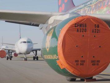Mesin pesawat dibungkus