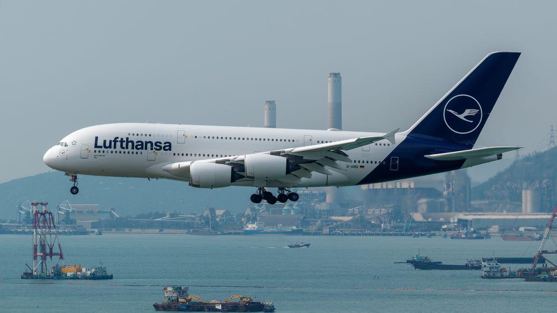 Lufthansa istirahatkan A380 pertama di Bandara Teruel Spanyol